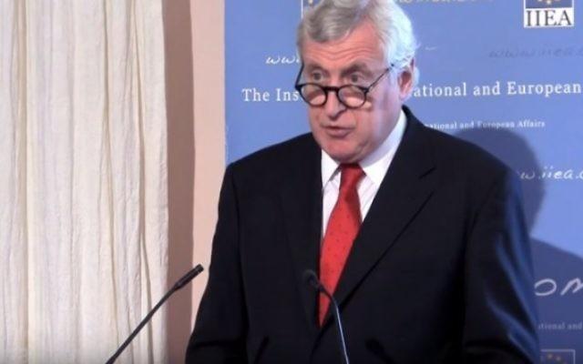 Pierre Vimont, envoyé spécial de la France pour l'initiative de paix. (Crédit : capture d'écran YouTube)