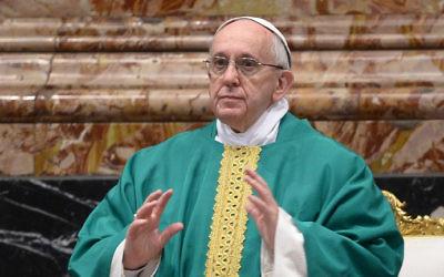 Le Pape François lors d'une messe le 9 février 2016 à la basilique Saint-Pierre en Vatican. (Crédit : AFP/Filippo Monteforte)