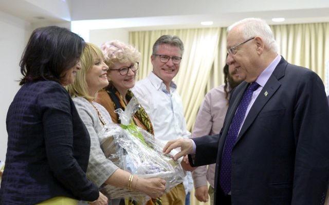 Le président reuven Rivlin et Lev HaOlam (Crédit : Autorisation)