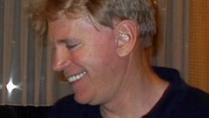 David Duke, leader de la suprématie blanche, en Allemagne en 2002. (Crédit : Aubignosc, CC BY-SA 3.0, via WikiCommons)
