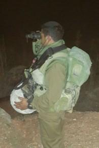 Naftali Dahari, un juif yéménite dont la famille a été emmenée en Israël via une opération de sauvetage secrète, pendant son service militaire dans la 188ème brigade blindée de l'armée israélienne, photo non datée. (Crédit : autorisation)