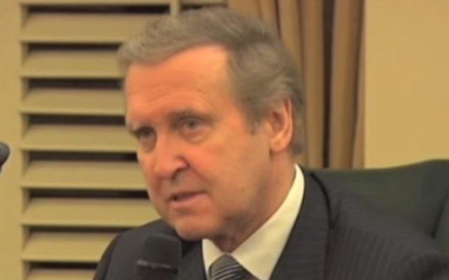 William Cohen en 2011 (Crédit : Capture d'écran YouTube)