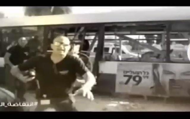 Capture d'écran d'une image du Hamas qui a interrompu les programmes télé de la Deuxième chaine (Crédit : Deuxième chaîne)