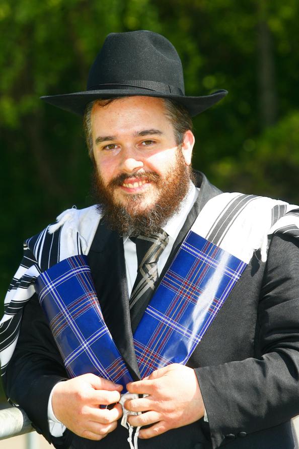 Le talith à tartan casher crée par le rabbin de Glasgow, Mendel Jacobs. (Crédit : JewishTartan.com via JTA)