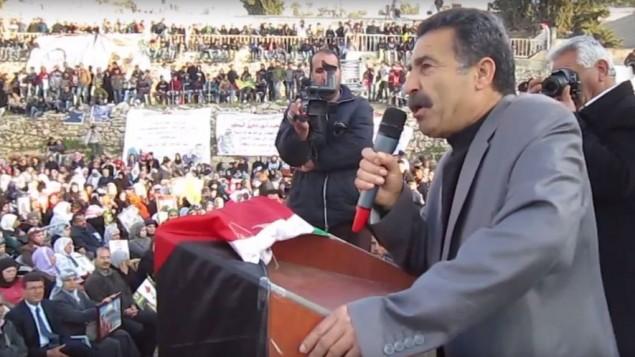 Le maire de Sair, Kaid Jaradat (Crédit : capture d'écran YouTube)