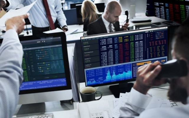 (Personnes travaillant dans la finance, illustration, via Shutterstock)