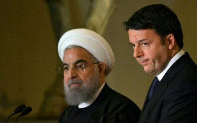 Le Premier ministre italien Matteo Renzi (à droite) et le président iranien Hassan Rouhani pendant une conférence de presse commune au Capitole, à Rome, le 25 janvier 2016. (Crédit : Tiziana Fabi/AFP)