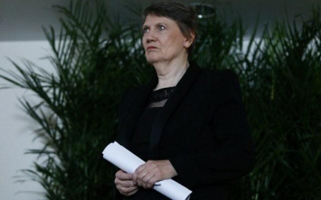 L'ancienne Première ministre de Nouvelle-Zélande, Helen Clark, avant une conférence de presse à la mission permanente de Nouvelle-Zélande aux Nations unies, à New York, le 4 avril 2016. (Crédit : AFP / KENA BETANCUR)
