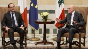 Le Premier ministre libanais Tamam Salam (à droite) et le président français François Hollande au palais du gouvernement dans le centre de Beyrouth, le 16 avril 2016. (Crédit : AFP PHOTO / STEPHANE DE SAKUTIN)