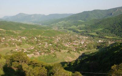 Paysage du Nagorny-Karabakh, le 21 mai 2007 (Crédit : Bouarf/CC-BY-SA-3.0)