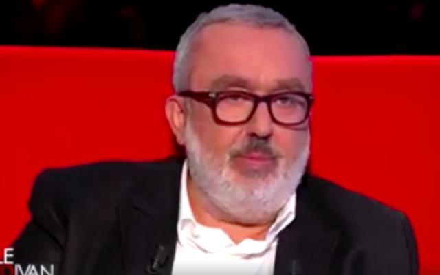 """Dominique Farrugia sur le plateau """"Le Divan"""", le 1er mars 2016 (Crédit : Capture d'écran)"""