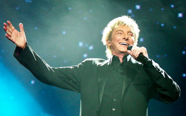 Barry Manilow (Crédit : CC-BY-Weatherman90, Wikimedia Commons)