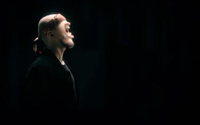 Capture d'écran du clip de la chanson norvégienne antisémite du groupe Karpe Diem (Crédit : YouTube)