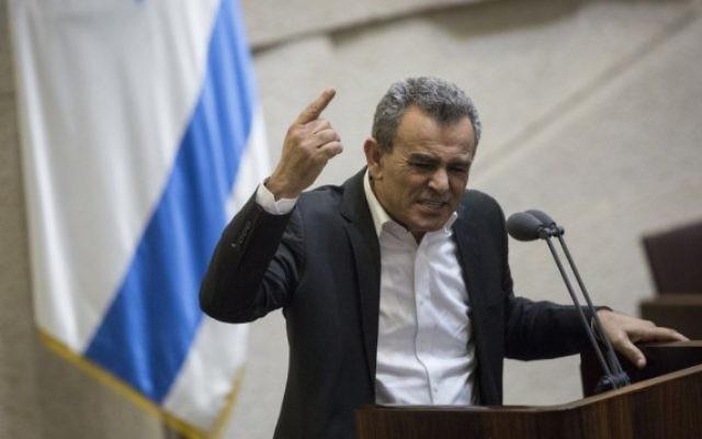 Jamal Zahalka à la Knesset, le 8 février 2016. (Crédit : Hadas Parush/Flash90)