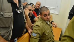 Elor Azaria, le soldat israélien qui a abattu un attaquant palestinien désarmé et neutralisé en mars 2016 à Hébron devant la cour militaire de Jaffa, le 18 avril 2016. (Crédit : Flash90)