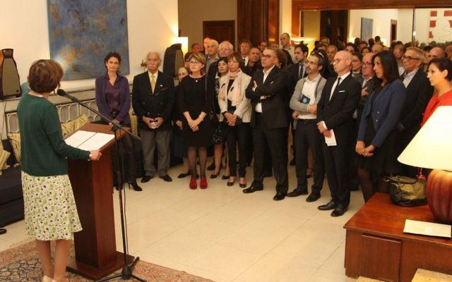 La ministre Marisol Touraine rencontre les Français d'Israël, Maison de France, Jaffa, le 31 mars 2016 (Crédit : Ambassade de France en Israël / Marine Crouzet)