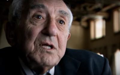 Frederick Mayer raconte son histoire dans un documentaire sur sa vie. (Crédit : Capture d'écran YouTube)