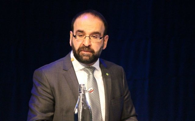 Mehmet Kaplan en 2014 (Crédit : Wikimedia commons)