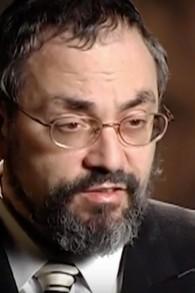 Le rabbin Mordecai Tendler a été accusé en 2005 de faire des avances à des femmes pendant qu'il était conseiller rabbinique ou arbitre religieux. (Crédit : capture d'écran YouTube)