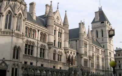 Cour royale de Justice de Londres. (Crédit : sjiong -flickr.com/photos/sjiong/109817932/ Wikipedia)