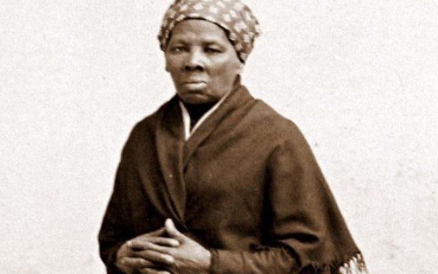 L'abolitionniste et humanitaire afro-américaine Harriet Tubman vers 1885. (Crédit : H. Seymour Squyer, National Portrait Gallery, Wikimedia commons)