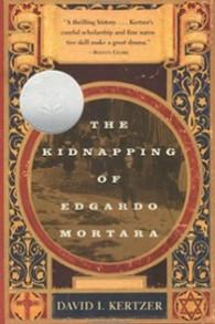 "La couverture du livre ""The Kidnapping of Edgardo Mortara"" de David Kertzer. (Crédit photo : DavidKertzer.com)"