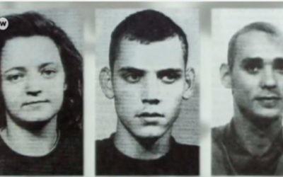 Les trois membres du groupuscule néonazi NSU (National Socialist Underground), Beate Zschaepe, Uwe Boehnhardt et Uwe Mundlos ; photographie publiée par un journal en 1998. (Crédit : capture d'écran YouTube)