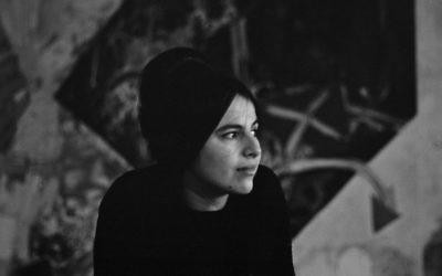 Eva Hesse en 1963 (Crédit photo : Barbara Brown/Zeitgeist Films)