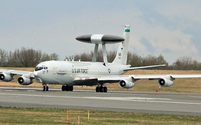 Un avion de surveillance Awacs (Crédit : Wikimedia Commons BY CC 2.0)