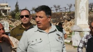 Le Coordonnateur des activités gouvernementales dans les Territoires, le général Yoav Mordechai, le général Yoav Mordechai (Crédit : Gershon Elinson/Flash90)