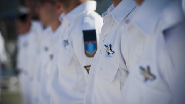 La 109e cérémonie de graduation des cours de sous-marinier, le 24 mai 2016 (Crédit : Ron Hirsh/unité du porte-parole de Tsahal)