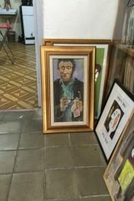Une peinture à l'huile d'Oskar Schindler par Joseph Bau, qui est resté en contact avec son sauveur pendant le reste de sa vie. (Crédit : Jessica Steinberg/Times of Israel)