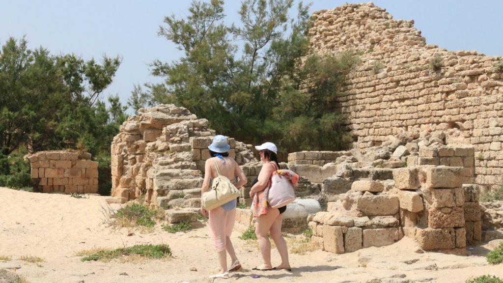 La Metzuda, une ancienne citadelle à l'extérieur d'Ashdod (Crédit : Shmuel Bar-Am)