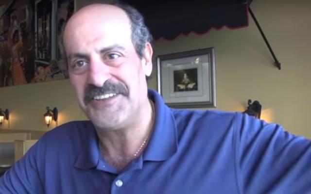 Le propriétaire Hany Baransi évoque l'attaque à la machette de son établissement, le Nazareth Restaurant & Deli à Columbus, Ohio (Crédit : capture d'écran YouTube)