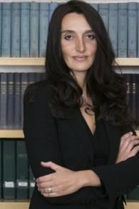 Déborah Abitbol, avocate franco-israélienne, représente des victimes françaises des arnaques au forex et aux options binaires. (Crédit : autorisation)