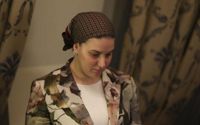 Deborah Rivka Pinto, l'épouse du célèbre rabbin Yoshiyahu Pinto, le 1er octobre 2014. (Crédit : Nati Shohat/Flash90)