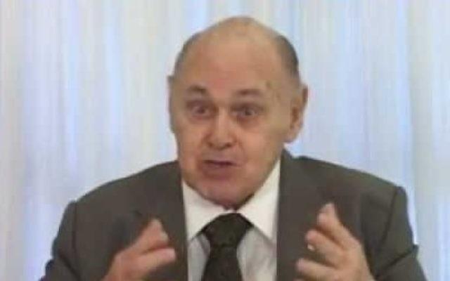 Gerson Bergher, politicien brésilien juif et ancien président de l'Organisation sioniste brésilienne. (Crédit : capture d'écran YouTube)