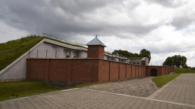 """Le Neuvième Fort de Kaunas, en Lituanie, connu sous le nom de """"Fort de la Mort"""" pendant la Seconde Guerre Mondiale, quand il a servi au meurtre de plus de 10 000 juifs par les nazis et leurs collaborateurs lituaniens. (Crédit : Shutterstock)"""