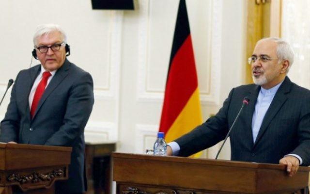 Le ministre iranien des Affaires étrangères Mohammad Javad Zarif (à droite) et son homologue allemand, Frank-Walter Steinmeier, lors d'une réunion le 2 février 2016, à Téhéran. (Crédit : AFP/Atta Kenare)