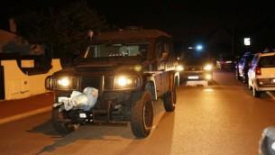 Un véhicule du RAID, les forces spéciales françaises, après l'assaut à Magnanville, le 14 juin 2016. (Crédit : AFP/MATTHIEU ALEXANDRE)