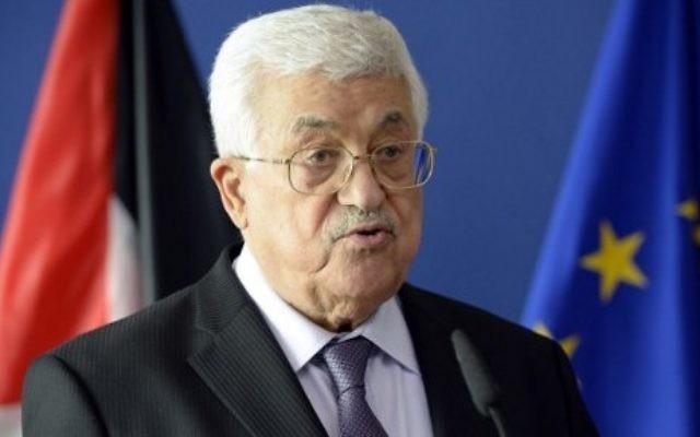 Le président de l'Autorité palestinienne Mahmoud Abbas s'adresse aux médias au siège de la Commission européenne à Bruxelles, le 22 juin 2016. (Crédit : AFP/Thierry Charlier)