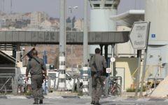 La police des frontières au checkpoint de Qalandiya, le 23 octobre 2012. Illustration. (Crédit : Oren Nahshon/Flash90)