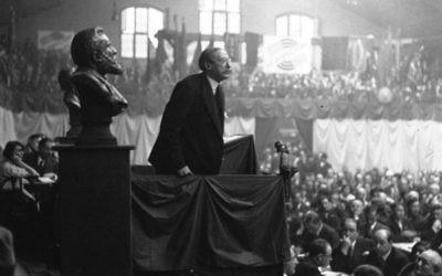 Congrès socialiste : discours de Léon Blum en 1932 (Crédit : domaine public)