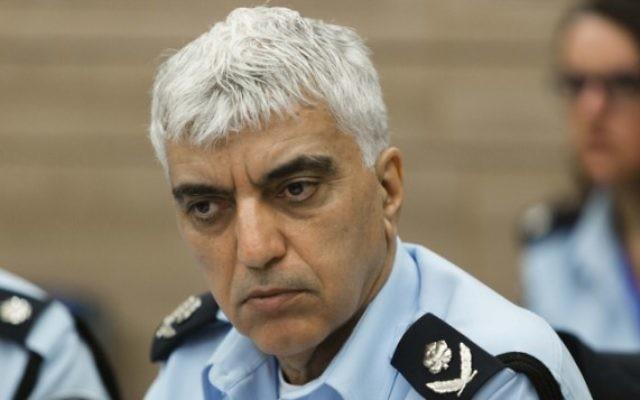 Le chef du département Enquêtes et Renseignements de la police, Meni Yitzhaki, pendant la commission de contrôle de l'Etat, à la Knesset, le 18 février 2014. (Crédit : Flash90)