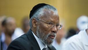 Le grand rabbin israélien éthiopien Yosef Hadane, pendant un débat de la commission de l'Immigration et de l'Intégration de la Knesset, le 27 juillet 2015. (Crédit : Yonatan Sindel/Flash90)