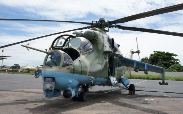 Un hélicoptère Mi 35P équipé du système DSP-HD sur une base militaire aérienne sénégalaise. (Crédits : Controp)