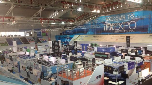 L'espace d'exposition de la conférence IFX Expo au Palais des Sports de Limassol, à Chypre, en mai 2016. (Crédit : Hunter Stuart)
