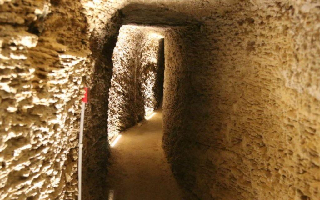 Les premiers habitants de Sarona produisaient du vin et le stockait dans des caves souterraines. (Photo: Shmuel Bar-Am)