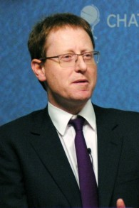 Le journaliste anglais juif Jonathan Freedland en 2013. (Crédit : Wikimedia Commons, Chatham House, CC BY 2.0)