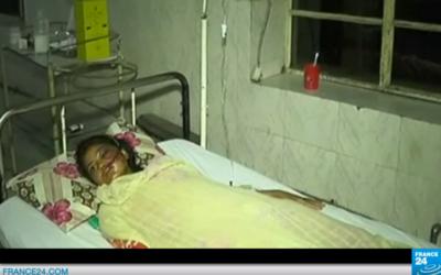 """Sabah, jeune pakistanaise survivante d'un crime d'honneur, dans le documentaire """"Une fille dans la rivière"""" qui lui est consacré. (Crédits : capture d'écran YouTube / France 24)"""